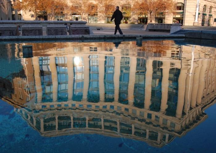 "photo ""Upside down"" tags: architecture, city, landscape,"