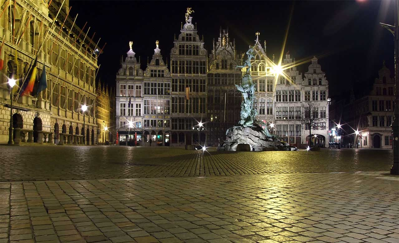 "photo ""Grote Markt in Antwerpen"" tags: landscape, architecture, night"