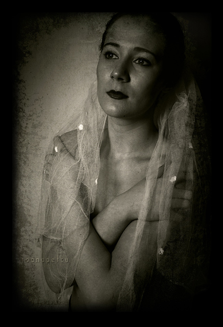 "photo ""the memory of your face"" tags: portrait, woman"