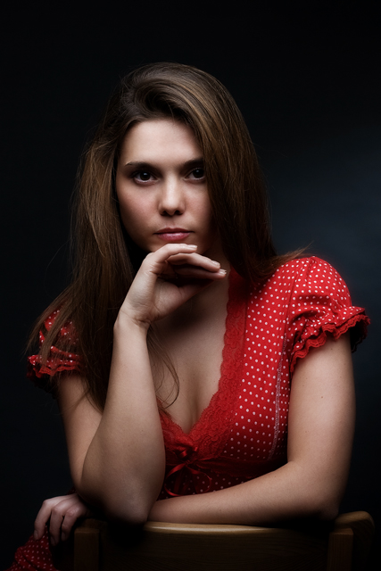 "photo ""In red"" tags: portrait, woman"