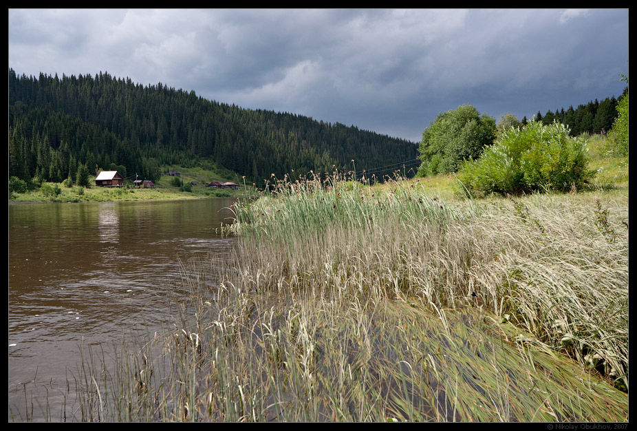 "photo ""On Chusovaya river / 0175_0110"" tags: landscape, clouds, river, storm cloud, summer, water"