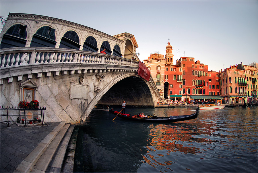 "photo ""Ponte di Rialto"" tags: architecture, travel, landscape, Europe"