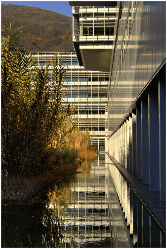 """photo """"suglio"""" tags: architecture, landscape,"""