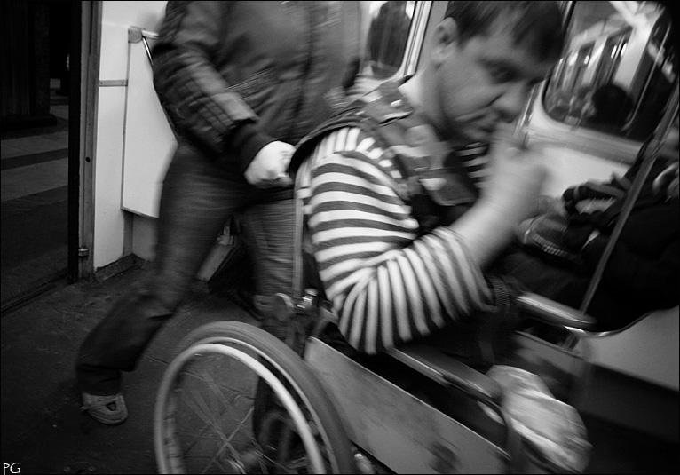 """фото """"в метро."""" метки: жанр,"""