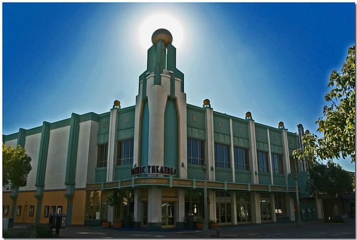 "photo ""Movie House"" tags: architecture, city, landscape,"