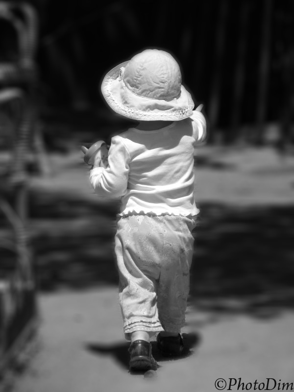 "photo ""Showing The Way"" tags: portrait, black&white, children"