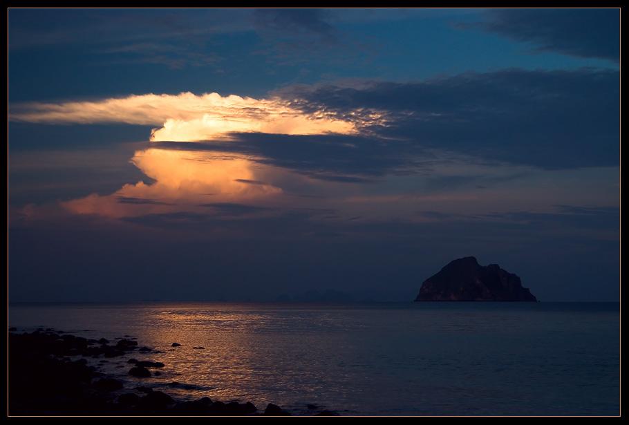 "photo ""Islands ..."" tags: landscape, clouds, sunset"