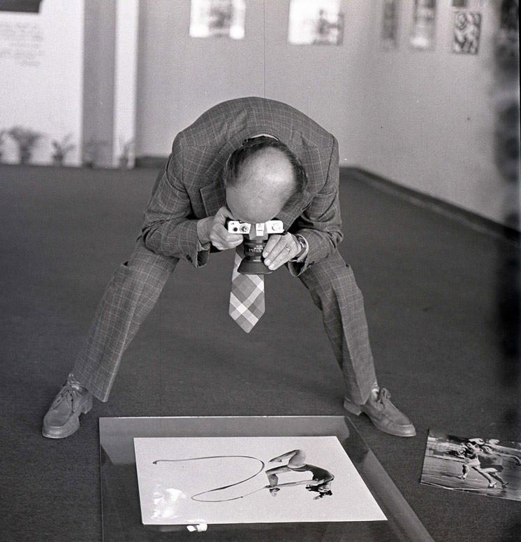 "photo ""photo sport"" tags: humor, black&white,"