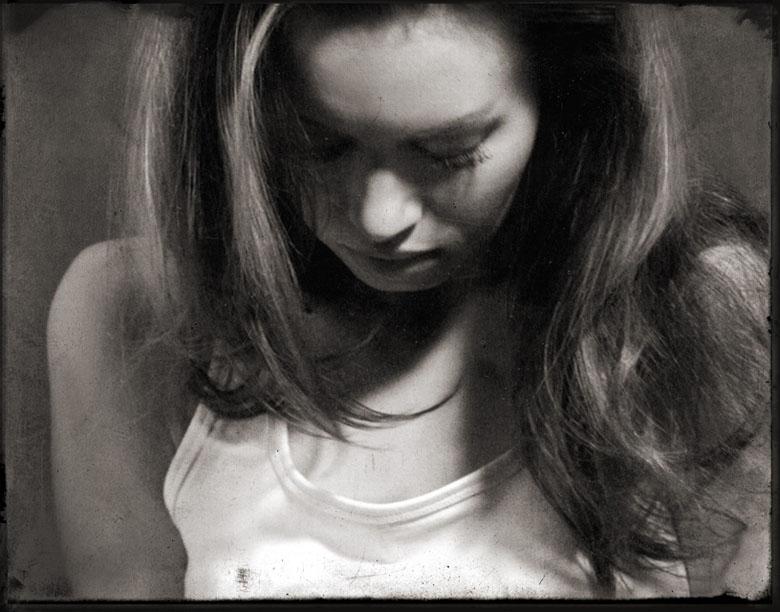 "photo ""inside"" tags: portrait, black&white, woman"