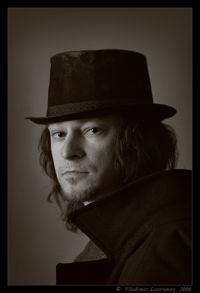 "photo ""Mr. Knife"" tags: portrait, man"