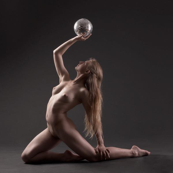 Erotic dancing girl