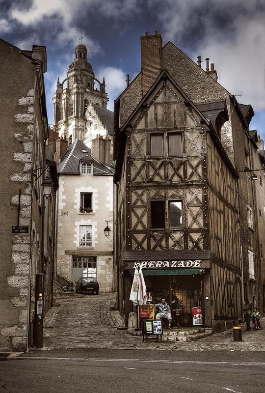 """photo """"Blois..."""" tags: travel, architecture, landscape, Europe"""