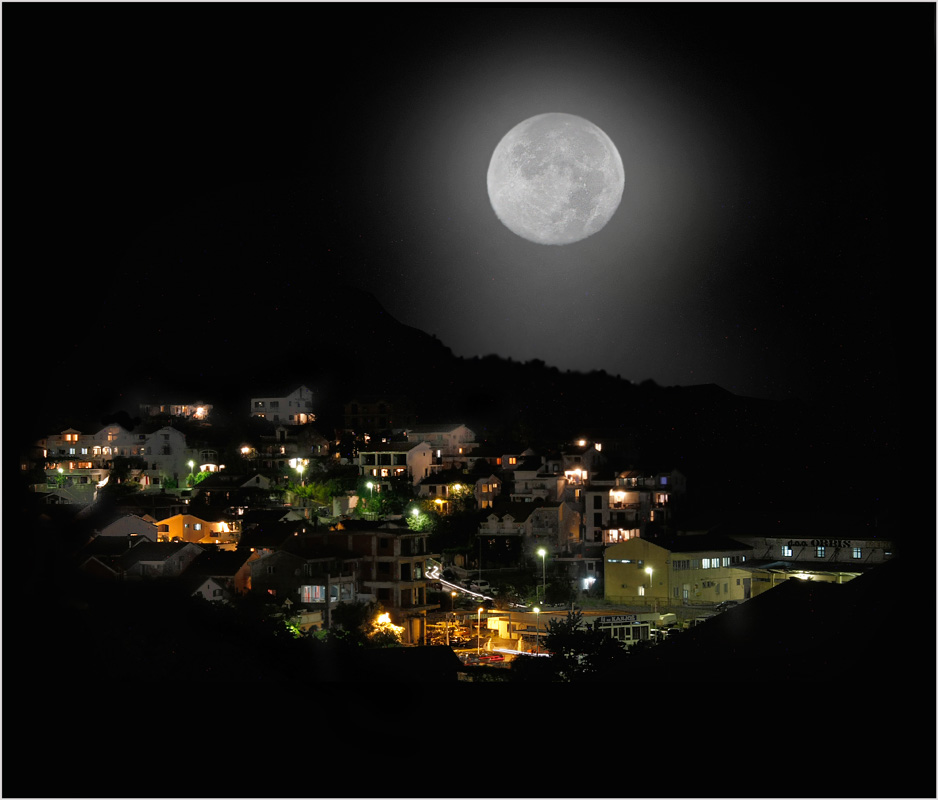 "photo ""The world of the moon"" tags: landscape, travel, Europe, night"