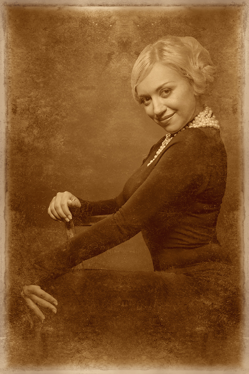 """photo """"***"""" tags: portrait, old-time, woman"""