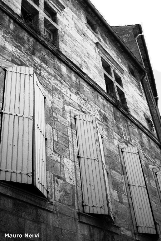 """photo """"windows in Montpellier"""" tags: architecture, landscape,"""