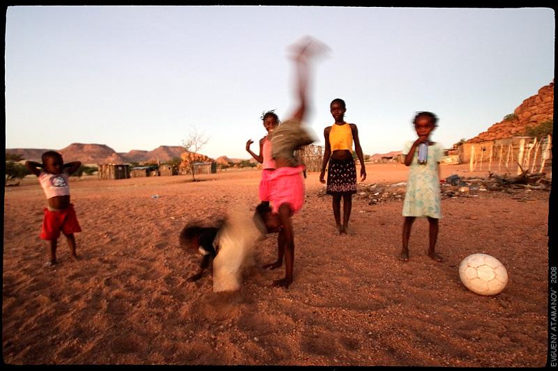"фото ""Деревня.Футбол.Африка (1)"" метки: жанр, путешествия, Африка"