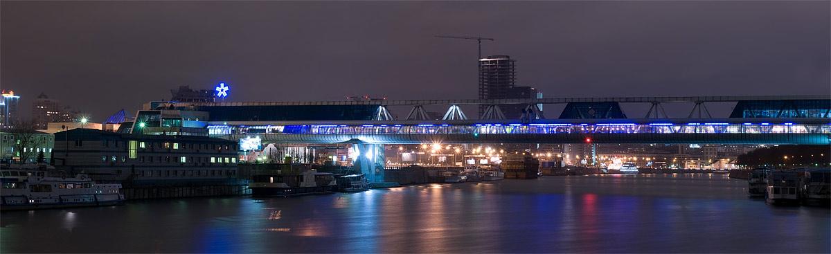 Мост багратион в москве ночью черно белое фото