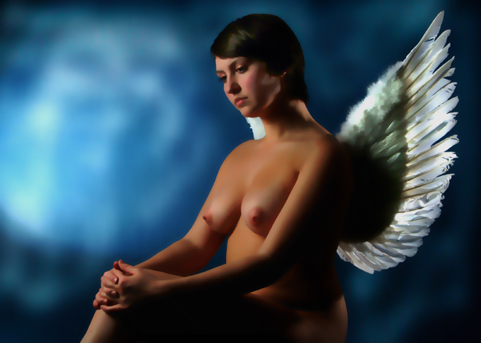 "photo ""An angel is regarding Earth"" tags: nude, portrait, woman"