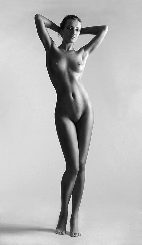 Фото девушек голых в полный рост