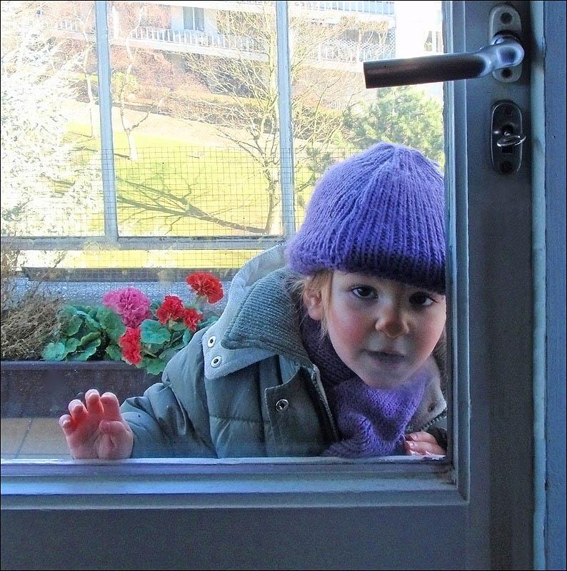 """photo """"Ouvre-moi !"""" tags: portrait, children"""