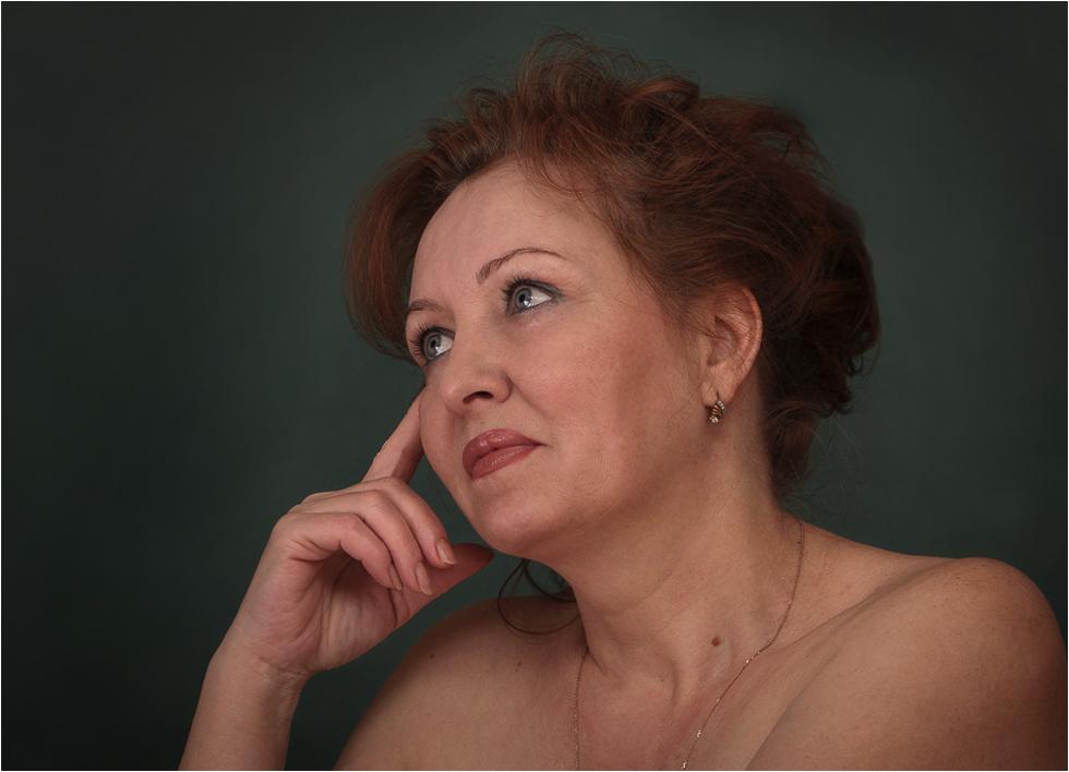 женщина с короткой стрижкой ебется порно фото