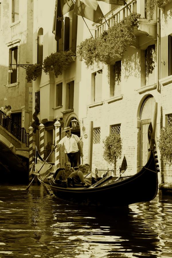 "фото ""По улочкам Венеции"" метки: путешествия, черно-белые, Европа"