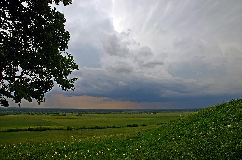 """фото """"Дальние грозы."""" метки: пейзаж, лето, облака"""