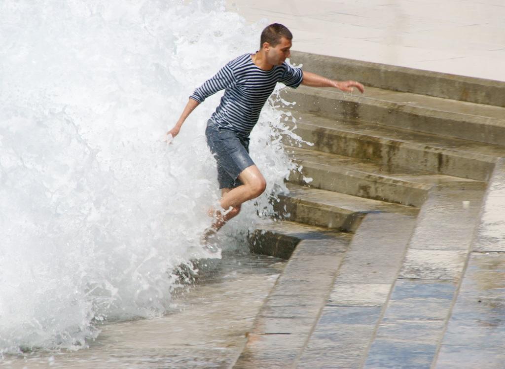 "photo ""From the sea foam"" tags: genre, landscape, water"