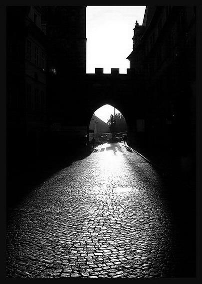 """фото """"Bорота а свет"""" метки: черно-белые, город,"""