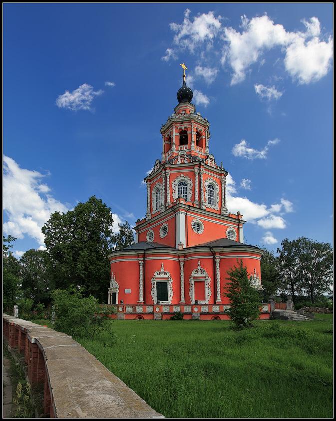 "photo ""Beautiful church. 17 Century"" tags: architecture, landscape, summer"