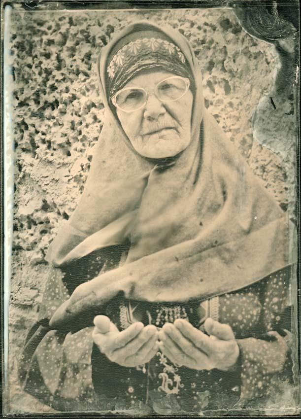 """фото """"Они молятся за нас"""" метки: портрет, черно-белые, женщина"""