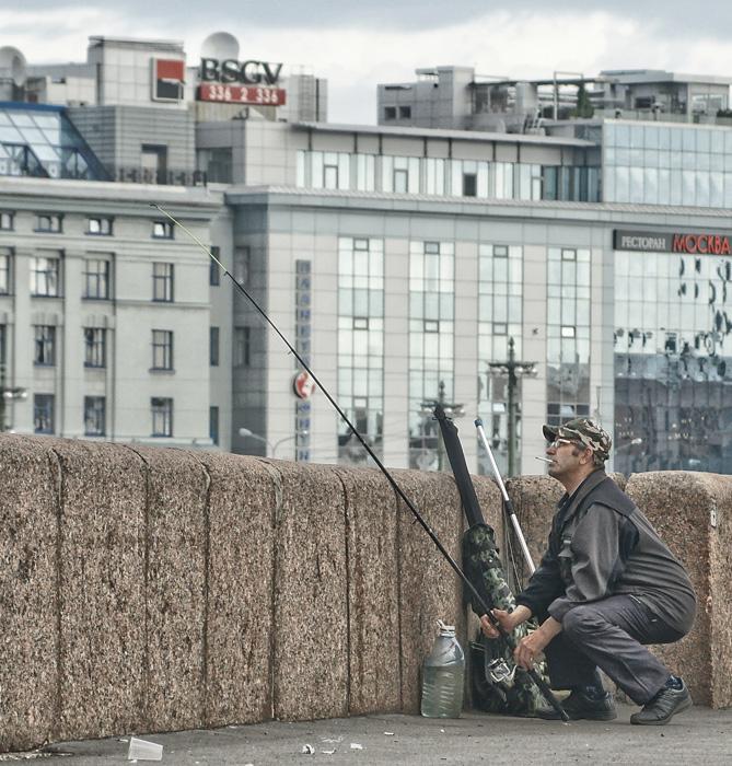 "photo ""In Ambush, or Petersburg's Fisherman"" tags: genre, humor,"