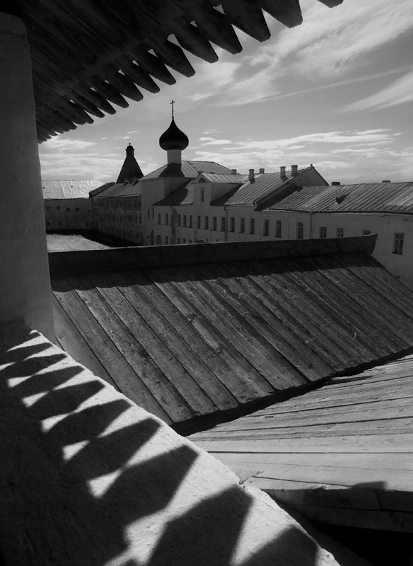 """photo """"Shadows of Solovetski fortress"""" tags: architecture, landscape,"""