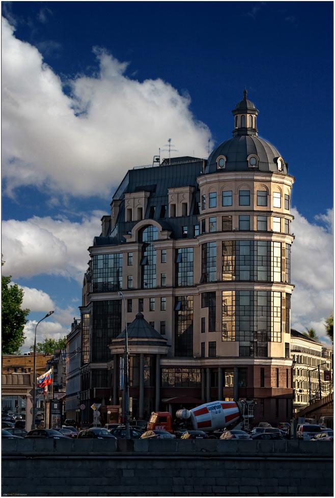 "photo ""Дом у реки"" tags: architecture, travel, landscape, Europe"