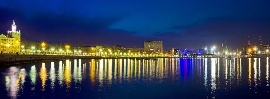 "photo ""Novorossiysk,seafront"" tags: city,"