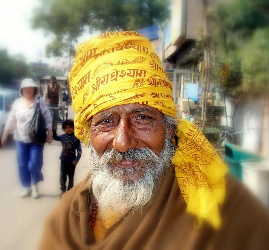 "photo ""***"" tags: portrait, travel, Asia, man"