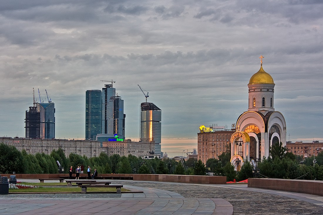 "photo ""***"" tags: city, architecture, landscape, Moscow, building, skyscrapers, sunset, temple"