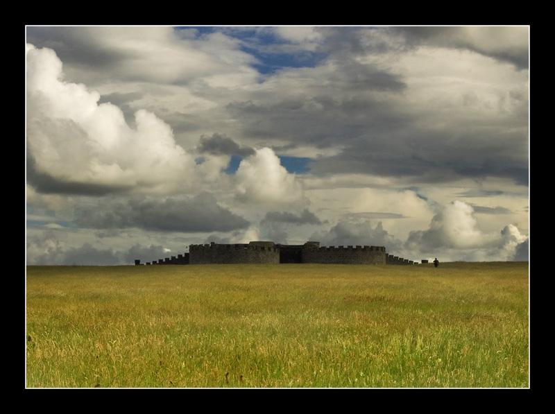 """photo """"Mussenden Temple"""" tags: landscape, architecture,"""
