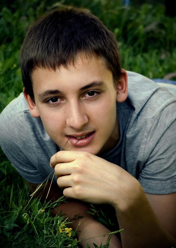 """фото """"на траве"""" метки: портрет, разное, мужчина"""
