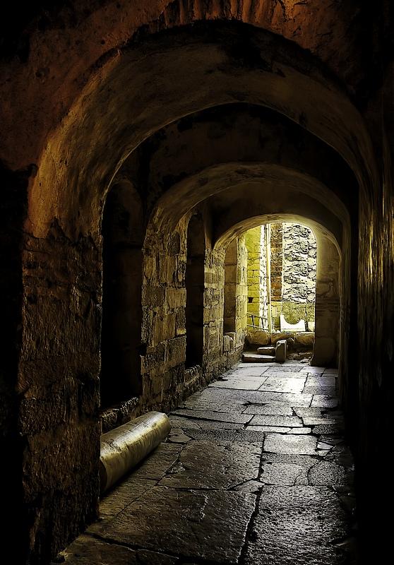 "фото ""Стены древней церкви"" метки: путешествия, интерьер, Европа"