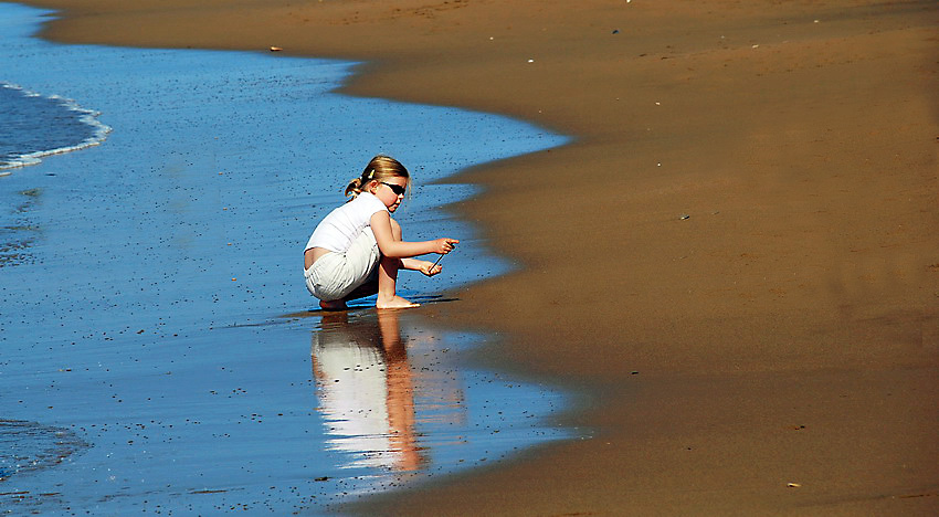 "photo ""She, Sea and Seashore"" tags: landscape, portrait, children, water"