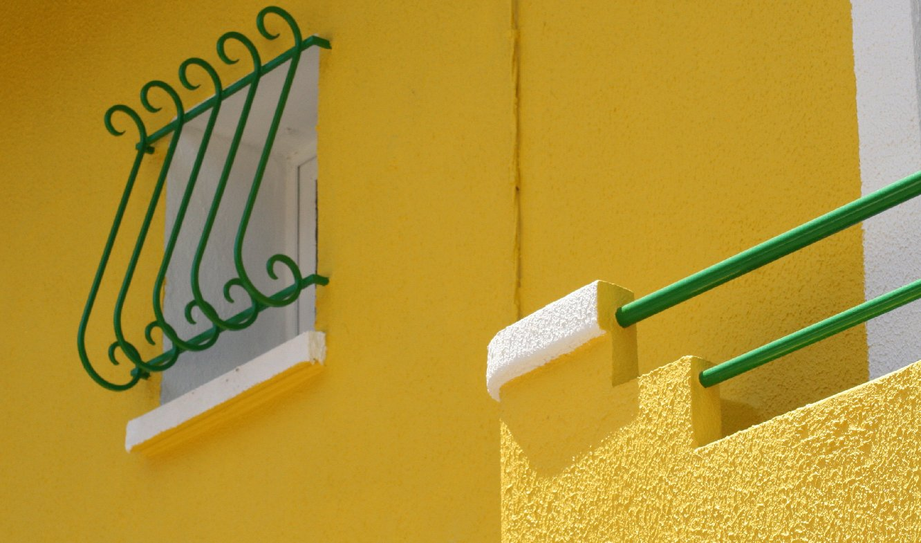 "photo ""yellow, green and white"" tags: architecture, landscape,"