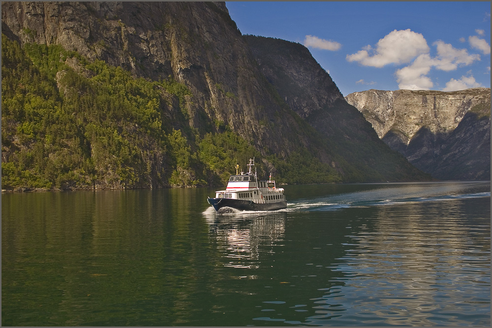 "photo ""A trip through fjords"" tags: landscape, mountains, water"