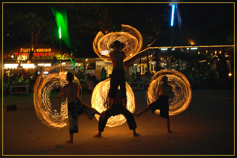 "photo ""Fireshow"" tags: travel,"