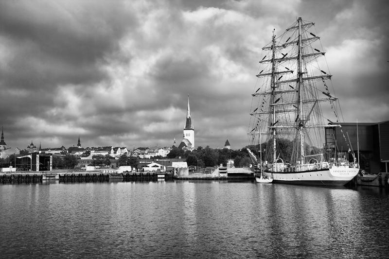 """фото """"Парусник в Таллинской гавани"""" метки: ,"""