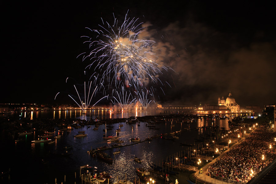 """photo """"Fireworks in Venice III"""" tags: travel, reporting, Europe"""