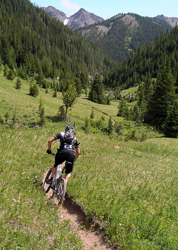 """photo """"Cruising"""" tags: landscape, sport, mountains"""