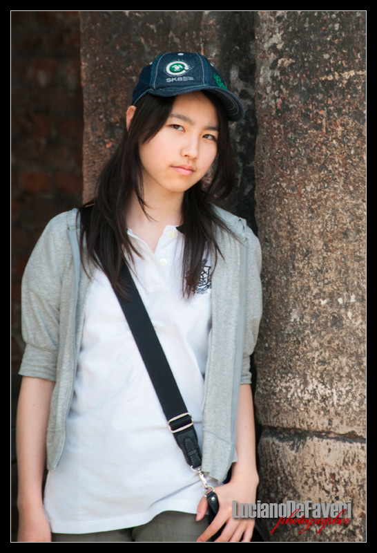 "photo ""Japanese at Verona"" tags: portrait, woman"