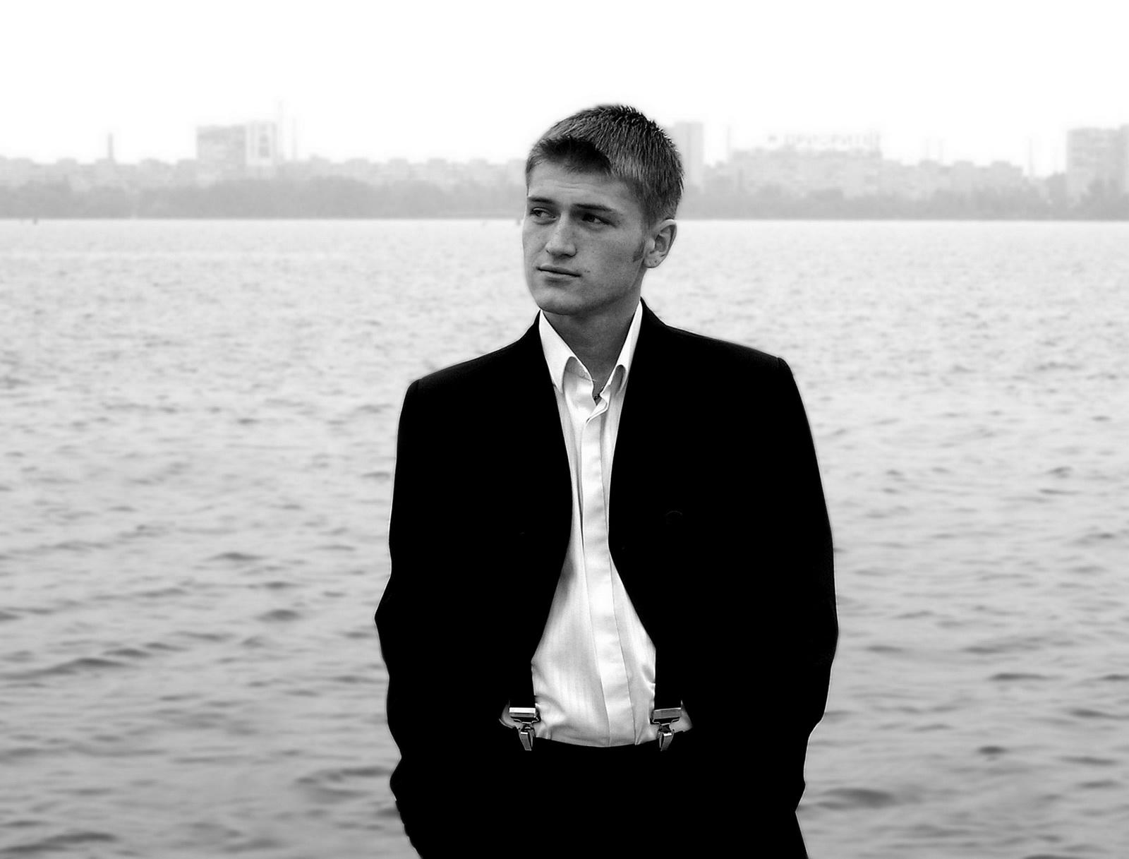 """photo """"Bond, James Bond"""" tags: portrait, man"""