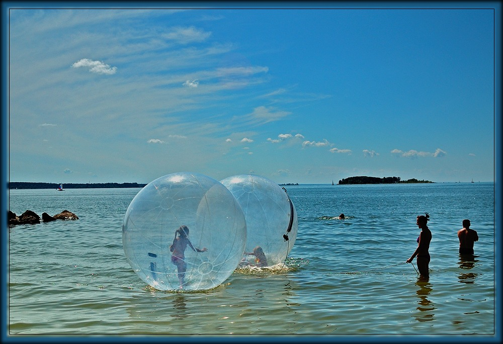 "photo ""Balls"" tags: landscape, summer, water"